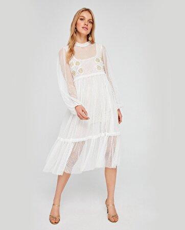Tül Kumaş Üzerine Nakış Detaylı Elbise