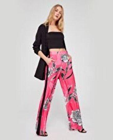 Kenarı Grogren ve Çıtçıt Detaylı Pantolon