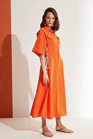 Çizgili Dökümlü Elbise