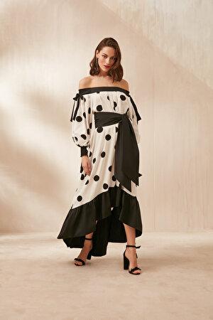 Düşük Omuz Puantiye Desenli Elbise