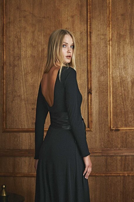Nocturne Sırtı V Yaka Detaylı Kemerli Elbise