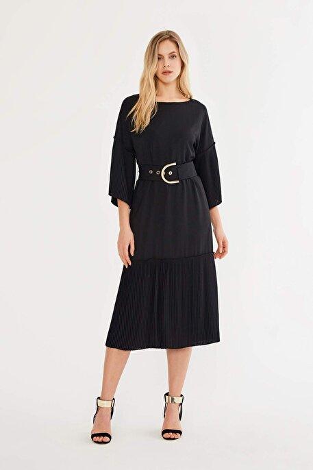 Nocturne Kolları ve Etek Ucu Piliseli Elbise