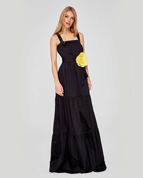 Nocturne Çiçek Broşlu Büzgülü Uzun Elbise